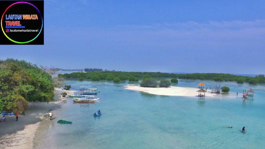 Destinasi Wisata Pulau Penduduk Dan Pulau Resort